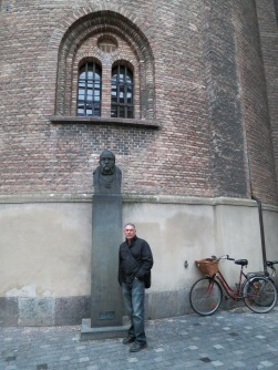 Tycho Brahe monument at Rundetarn
